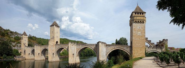 Cahors_pont_valentre_pano (1)